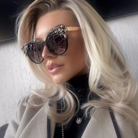 Cat Eye Sunglasses Women Luxury Diamond Decoration Reflective Coating Mirrors Shades UV400 Protection