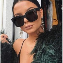 2018 Kim Kardashian Sunglasses Lady Flat Top Eyewear Lunette Femme Women Luxury Brand Sunglasses Women Rivet Sun Glasse UV400