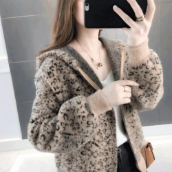 2020 new autumn and winter women's Korean version of the leopard sweater women's mink velvet jacket knitted cardigan
