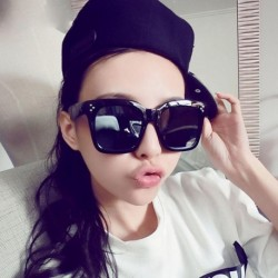 New Popular Women Fashion Large Square Sunglasses 10 Colors Optionals Sex Lady Classic Famous Brand Sun Glasses